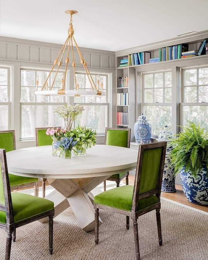 Luôn có ít nhất một lý do để bạn lựa chọn bàn ăn tròn cho ngôi nhà nhỏ của gia đình - Ảnh 6.