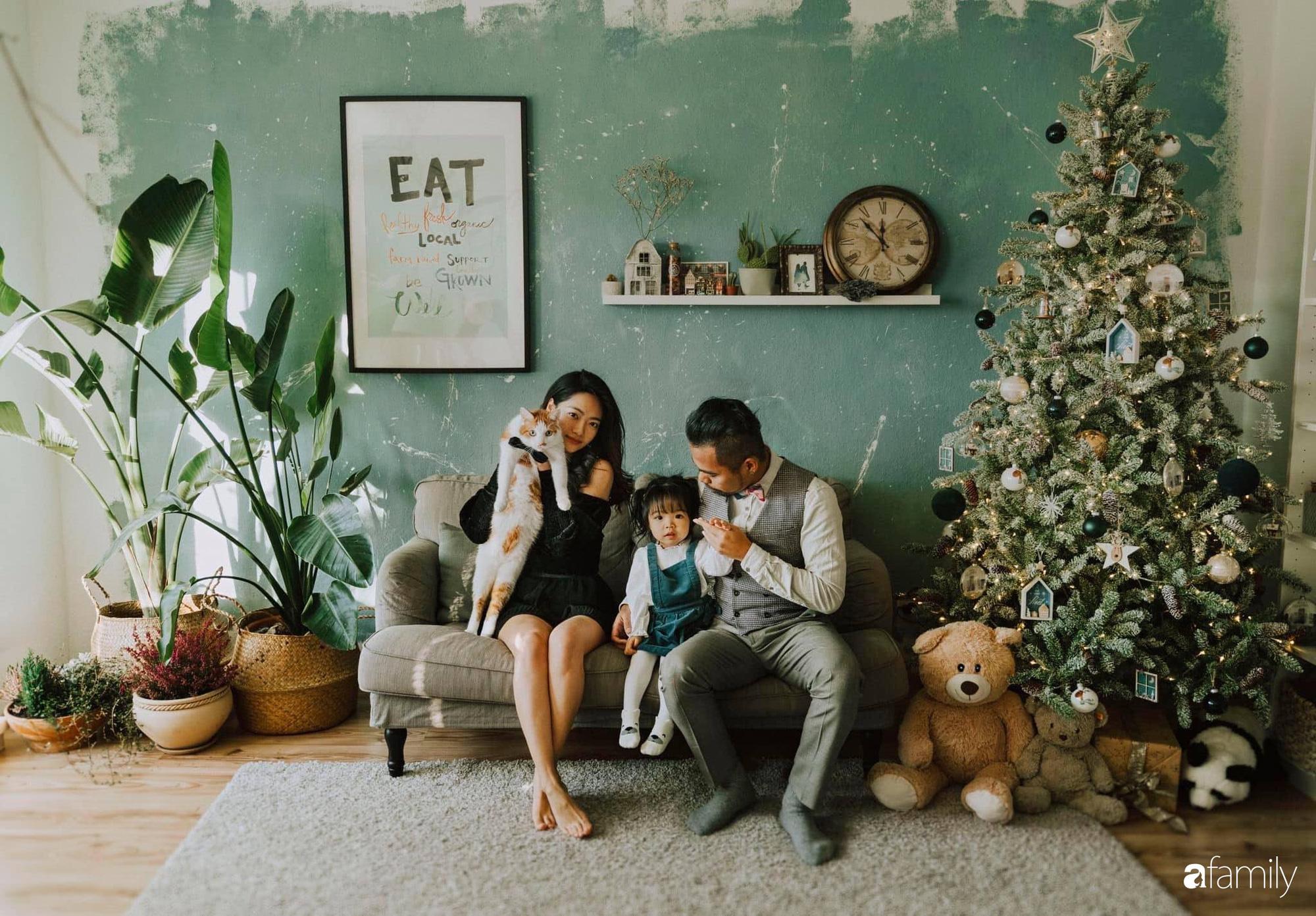 Tự tay cải tạo từng góc nhỏ, căn hộ của vợ chồng trẻ biến thành tổ ấm màu xanh đẹp như trong tạp chí - Ảnh 1.