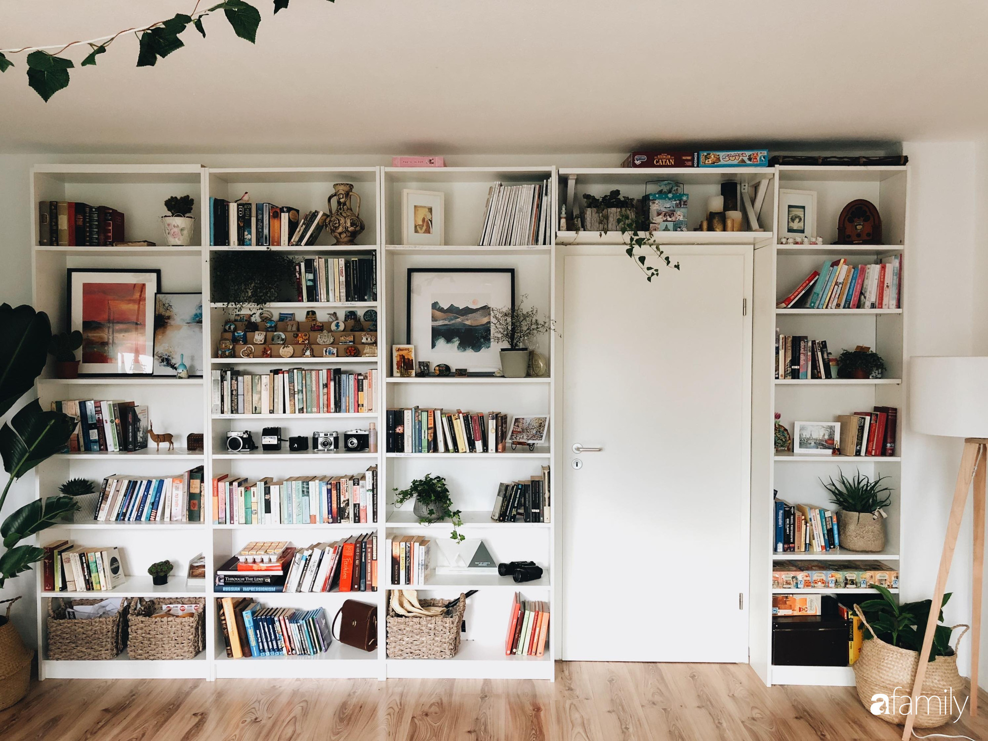 Tự tay cải tạo từng góc nhỏ, căn hộ của vợ chồng trẻ biến thành tổ ấm màu xanh đẹp như trong tạp chí - Ảnh 9.