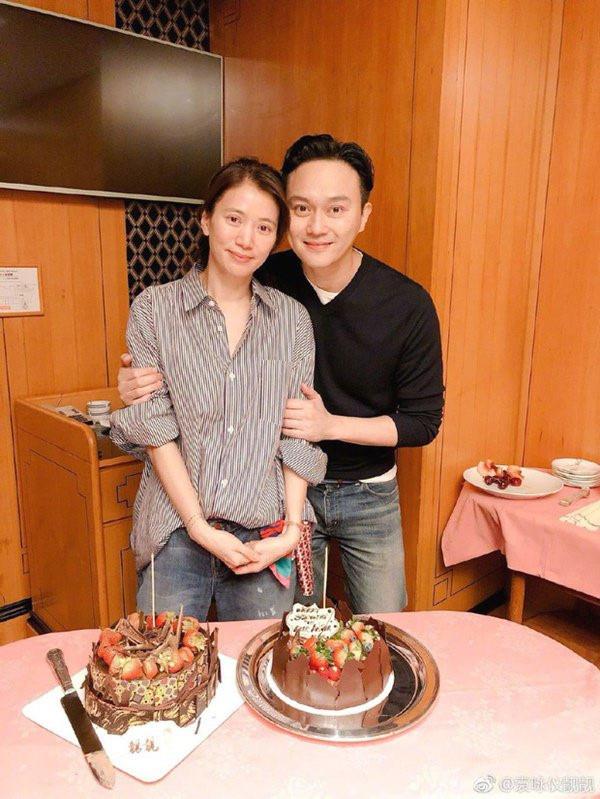 """Những cặp vợ chồng Hoa ngữ sống bên nhau gần 2 thập kỷ vẫn """"tim đập, tay run"""" khi nhìn đối phương - Ảnh 4."""