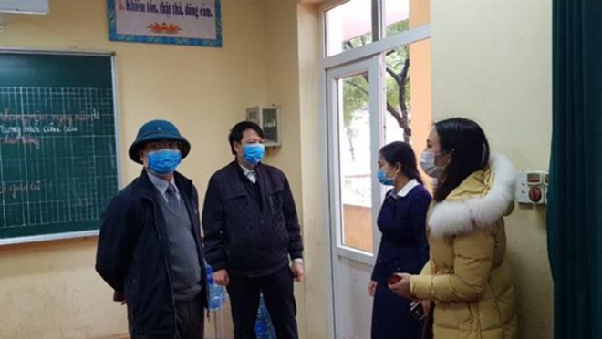 38 học sinh tại Vĩnh Phúc có dấu hiệu ho, sốt, khó thở, Sở GD-ĐT kiến nghị cho nghỉ học tiếp đợt 3 - Ảnh 1.