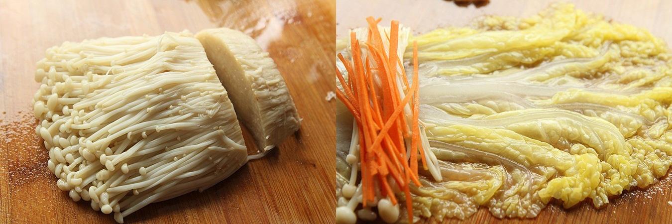 Rau cải cuộn nấm xốt dầu hào - Ảnh 2.