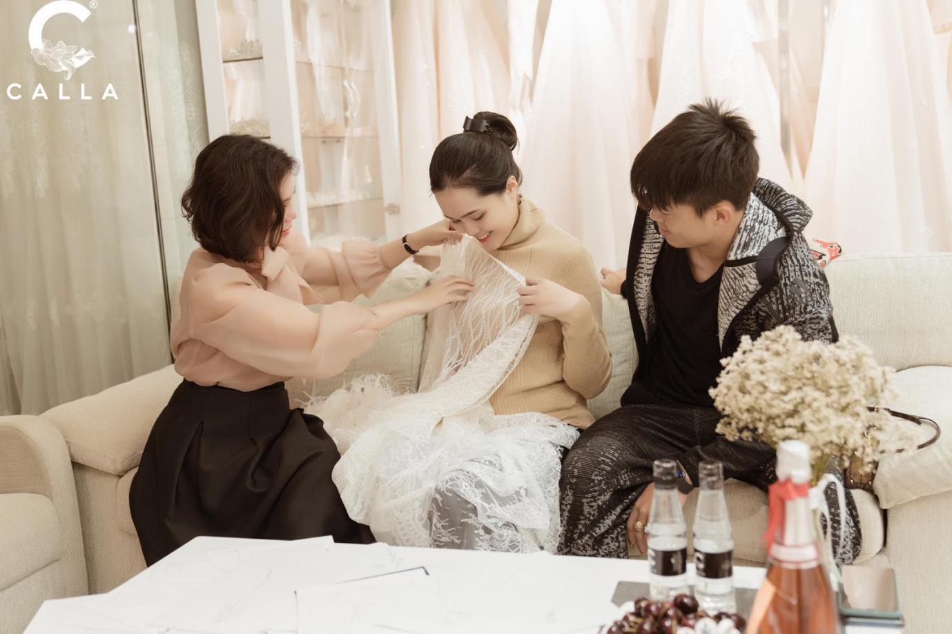 """NTK Phương Linh gây bất ngờ cho """"công chúa béo"""" của Duy Mạnh khi váy cưới đẹp hơn cả bản thiết kế - Ảnh 3."""