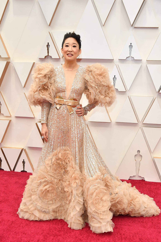 Sandra Oh - niềm kiêu hãnh của điện ảnh châu Á tại Hollywood, lộng lẫy trong một thiết kế của NTK Công Trí - Ảnh 3.