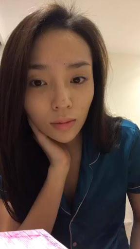 """Soi mặt mộc của các Hoa hậu Việt: H'Hen Niê đã """"đỉnh"""" lắm rồi nhưng vẫn thua đàn em này - Ảnh 8."""
