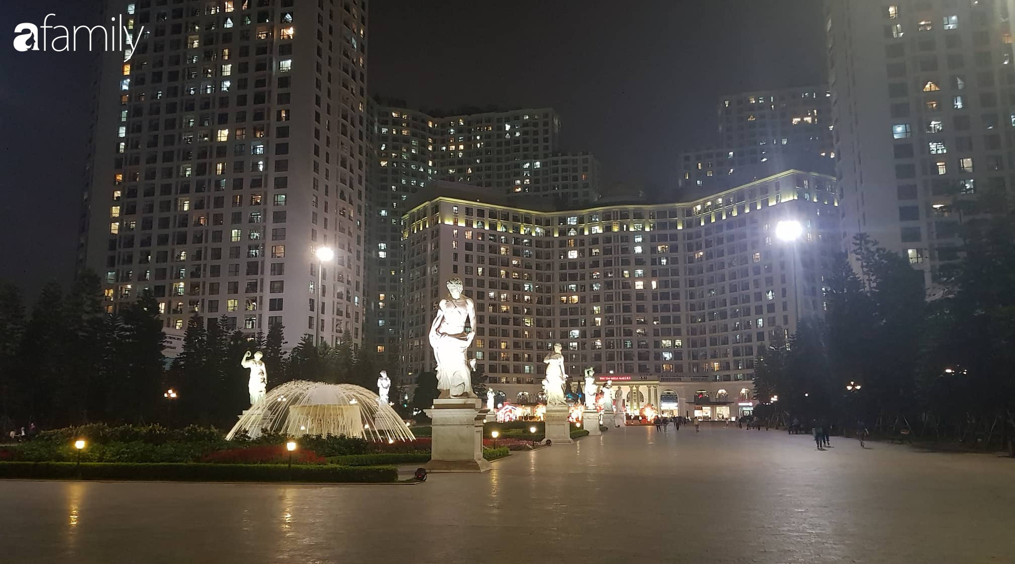 Valentine Hà Nội - Sài Gòn vắng vẻ đìu hiu vì dịch Corona, từ trung tâm thương mại đến phố phường đều ít bóng tình nhân đi chơi - Ảnh 1.