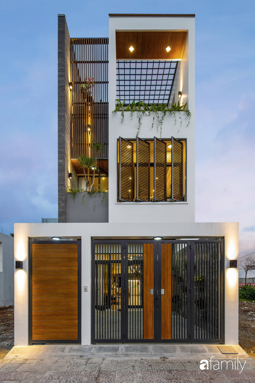 Ngôi nhà 100m2 thiết kế thông minh, tiện lợi dành cho gia đình 3 thế hệ ở Đà Nẵng - Ảnh 1.