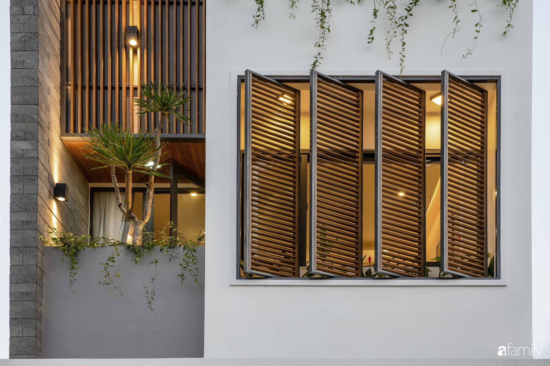 Ngôi nhà 100m2 thiết kế thông minh, tiện lợi dành cho gia đình 3 thế hệ ở Đà Nẵng - Ảnh 2.