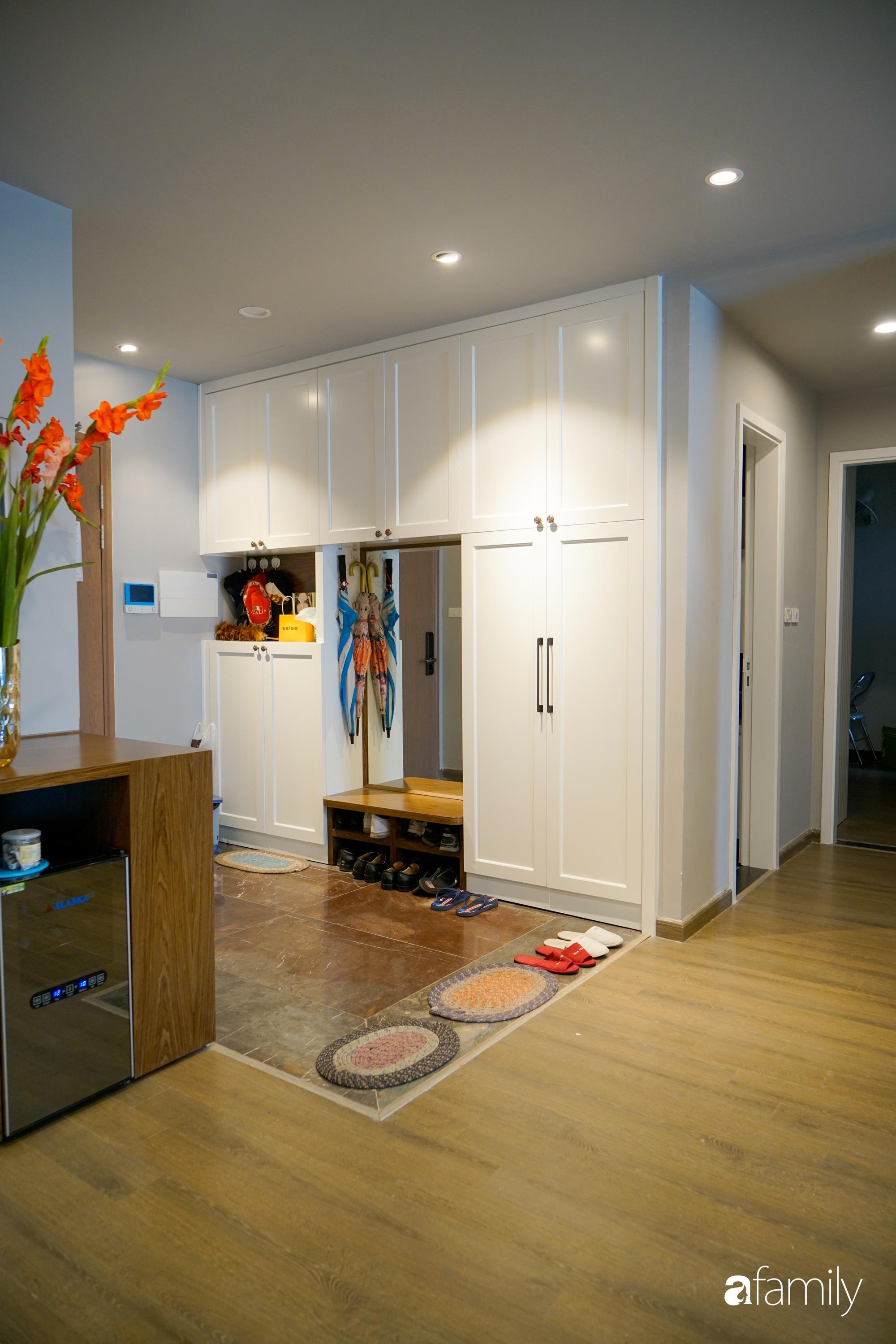 Căn hộ 116m² hoàn thiện nội thất chỉ gần 1 tháng vẫn đẹp hiện đại ở Cầu Giấy, Hà Nội