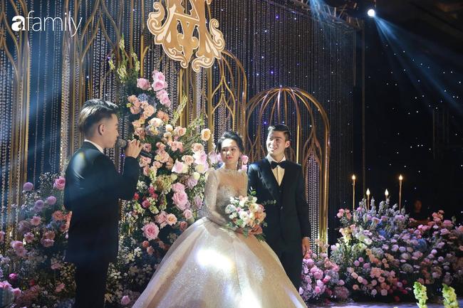 Váy cưới của Quỳnh Anh: Không phải vài trăm triệu mà những 1 tỉ đồng, nhưng trong mắt NTK bộ váy này là vô giá - Ảnh 3.