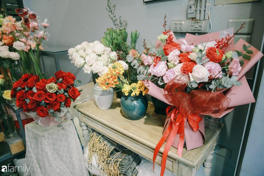 Giữa mùa dịch corona, hoa Valentine nhập khẩu vẫn đẹp ngây ngất kèm theo những món quà độc đáo xa xỉ dành riêng cho chị em - Ảnh 20.