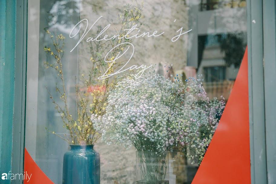 Giữa mùa dịch corona, hoa Valentine nhập khẩu vẫn đẹp ngây ngất kèm theo những món quà độc đáo xa xỉ dành riêng cho chị em - Ảnh 16.