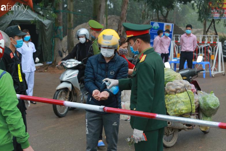 Cuộc sống của người dân xã Sơn Lôi trong những ngày đầu  cách ly nghiêm ngặt: Không còn quá hoang mang và yên tâm phòng dịch - Ảnh 10.