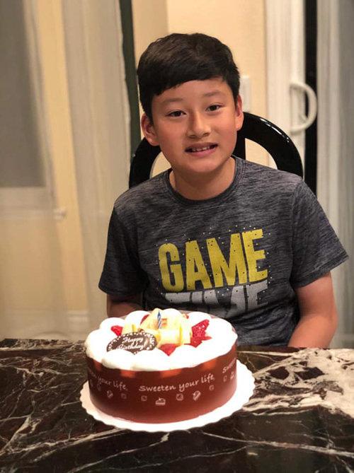 Con trai của Quang Dũng và Jennifer Phạm đón sinh nhật tuổi 12, ngoại hình của cậu bé mới gây bất ngờ - Ảnh 2.