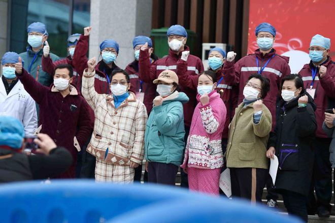 Trung Quốc báo cáo huyết tương của người từng nhiễm Covid-19 có thể chữa được virus - Ảnh 4.