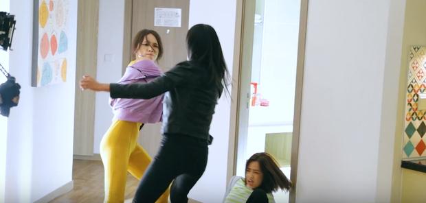 Diện lại bộ jumpsuit từ thời Việt Nam Idol, body gợi cảm quyến rũ và nhan sắc xinh đẹp của Hương Giang 8 năm sau mới là điều gây bất ngờ nhất - Ảnh 3.