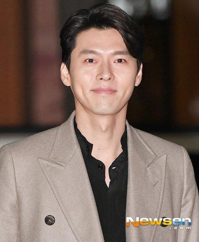 Đẹp trai, cao ráo, lại giàu có nhưng fan cứng vẫn phát hiện ra Hyun Bin tiết kiệm đến mức một chiếc áo măng tô mặc trong cả loạt phim ăn khách suốt 9 năm trời - Ảnh 1.