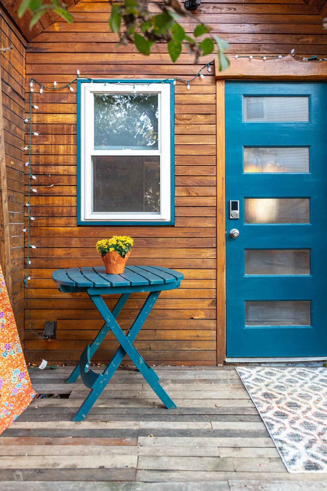 Thiết kế nhà nhỏ 44m2 theo phong cách Scandinavia, màu sắc tươi sáng lấy cảm hứng từ nghệ thuật truyền thống Mexico, dệt may, và gốm sứ tuyệt đẹp - Ảnh 8.