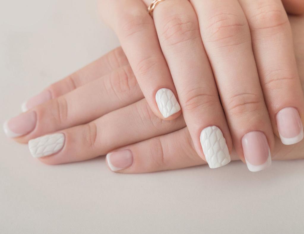 """Điều đáng học ở Phượng Chanel chính là loạt nail tối giản mà """"chanh xả"""" hết nấc, ai diện cũng hợp - Ảnh 10."""