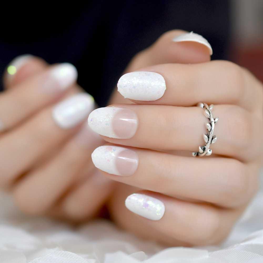"""Điều đáng học ở Phượng Chanel chính là loạt nail tối giản mà """"chanh xả"""" hết nấc, ai diện cũng hợp - Ảnh 9."""