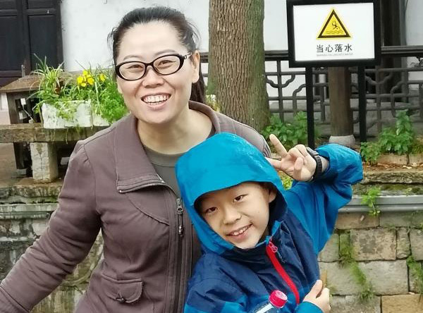 """""""Con ngoan nhé, bố phải đi cứu người"""", những bài văn kể chuyện bố mẹ phải đi Vũ Hán chống dịch Corona khiến ai cũng bật khóc - Ảnh 4."""