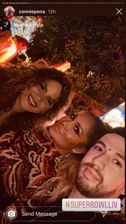 """Thực hư bức ảnh Hoàng Thùy Linh chụp tự sướng cùng Jennifer Lopez đang gây bão mạng xã hội: Ngỡ hàng xịn hóa ra lại là """"fake"""" - Ảnh 3."""