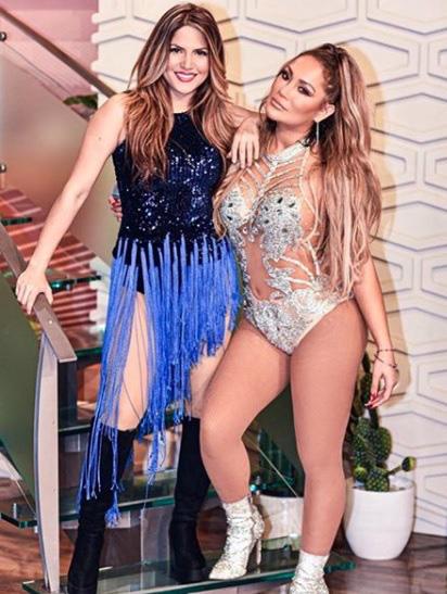 """Thực hư bức ảnh Hoàng Thùy Linh chụp tự sướng cùng Jennifer Lopez đang gây bão mạng xã hội: Ngỡ hàng xịn hóa ra lại là """"fake"""" - Ảnh 4."""