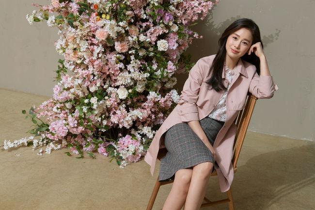 Cận cảnh nhan sắc Kim Tae Hee sau 2 lần sinh nở, nhìn thôi cũng đủ thấy cuộc hôn nhân với Bi Rain viên mãn đến thế nào  - Ảnh 2.
