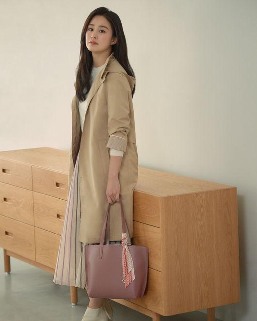 Cận cảnh nhan sắc Kim Tae Hee sau 2 lần sinh nở, nhìn thôi cũng đủ thấy cuộc hôn nhân với Bi Rain viên mãn đến thế nào  - Ảnh 3.