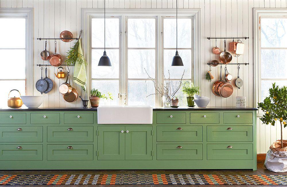 Những tông xanh tối màu tuyệt đẹp cho căn bếp hiện đại: sạch, nổi bật và sang trọng khi kết hợp khéo léo với tông trắng và ánh sáng đèn trang trí - Ảnh 2.
