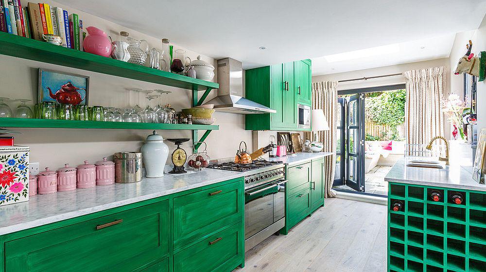 Những tông xanh tối màu tuyệt đẹp cho căn bếp hiện đại: sạch, nổi bật và sang trọng khi kết hợp khéo léo với tông trắng và ánh sáng đèn trang trí - Ảnh 4.