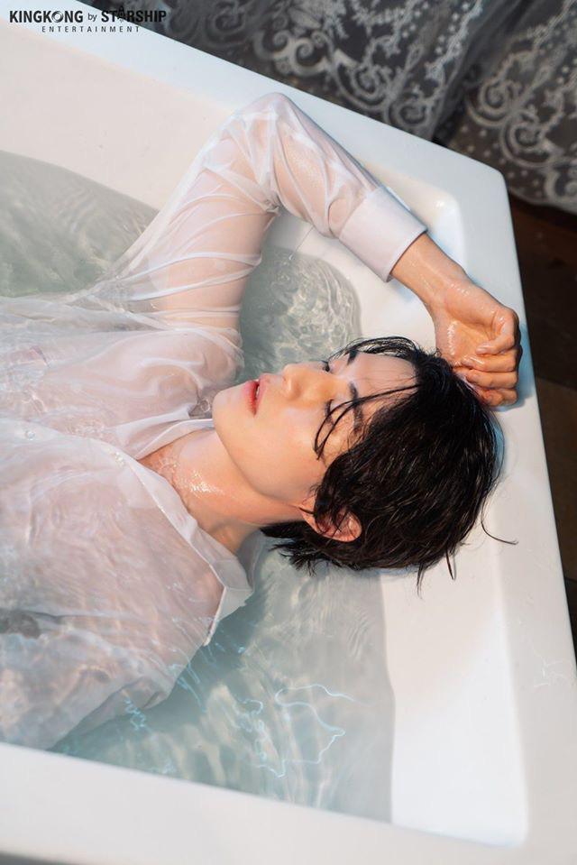 """Hé lộ loạt ảnh hậu trường đẹp trai hết phần thiên hạ của """"thần chết U40"""" Lee Dong Wook - Ảnh 2."""