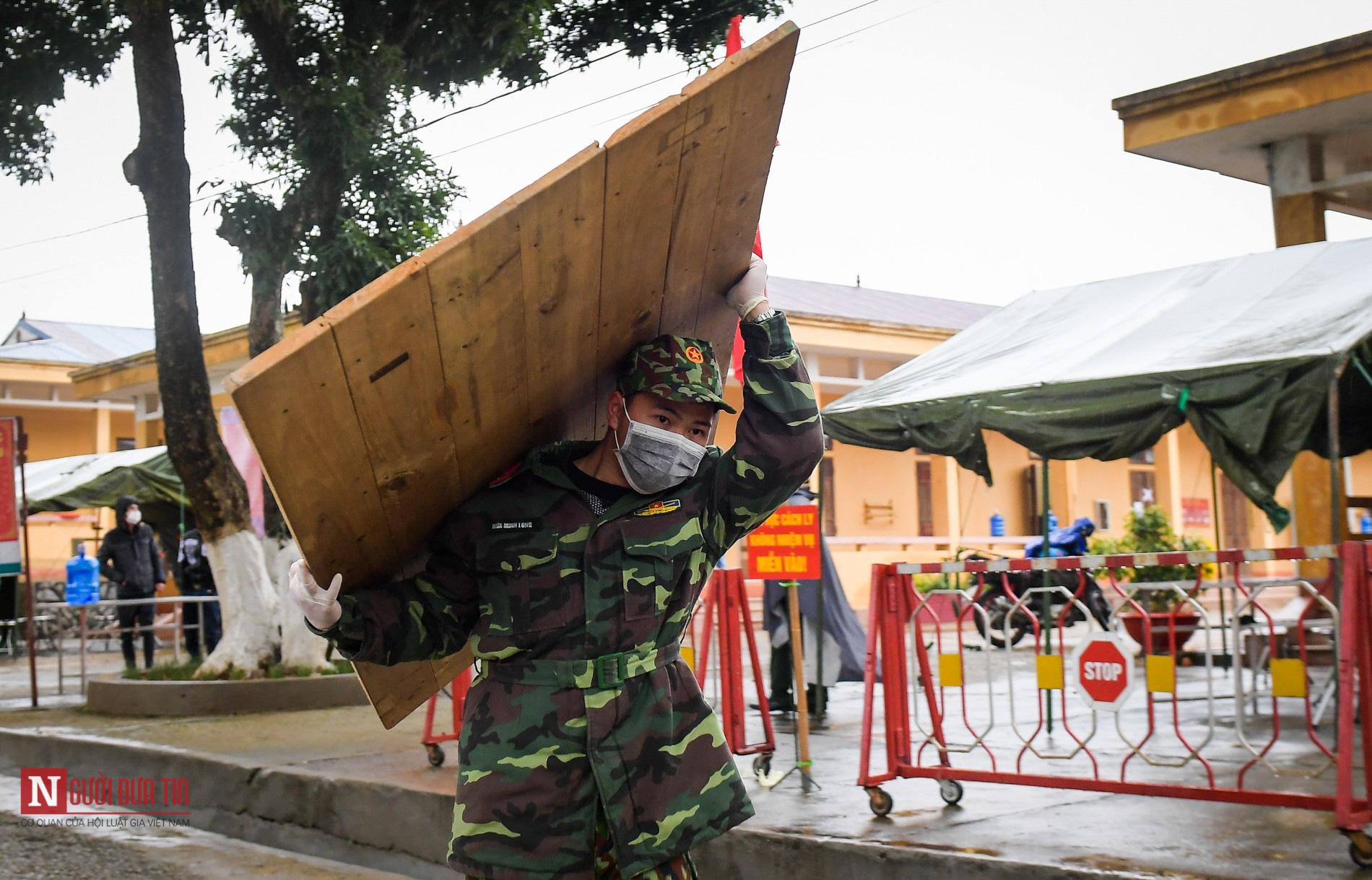 Bên trong khu vực cách ly công dân Việt Nam trờ về từ Trung Quốc - Ảnh 6.