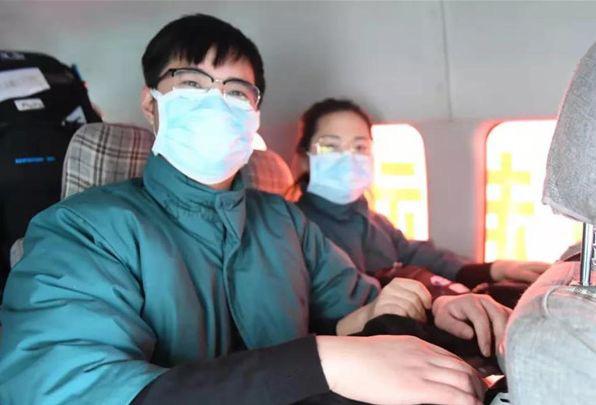 18 câu chuyện ấm lòng ở tâm dịch bệnh Vũ Hán: Cảm ơn bạn, thật tốt khi có bạn trên cuộc đời này - Ảnh 9.