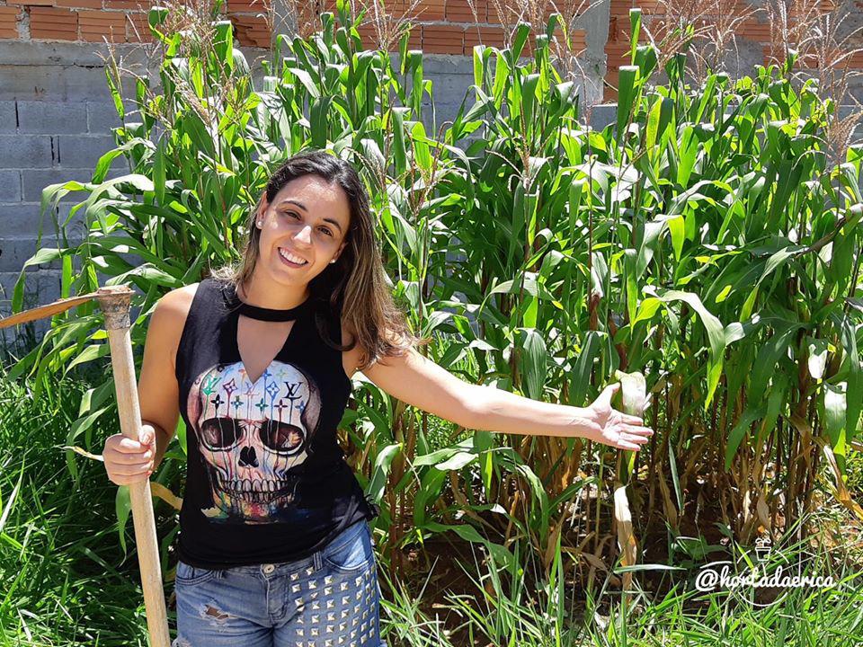 Vườn rau quả sạch tốt tươi rộng 32m2 của nữ y tá đam mê trồng trọt - Ảnh 2.