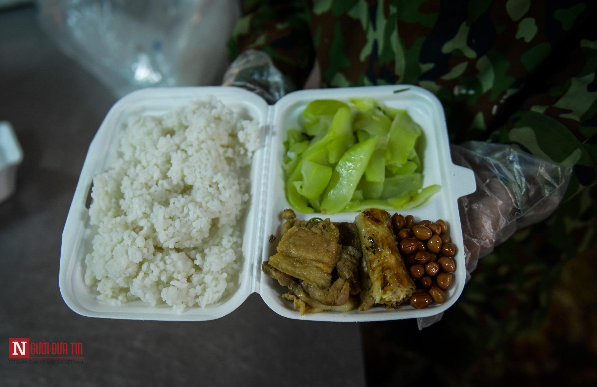 Lạng Sơn: Nhộn nhịp căn bếp ấm tình quân dân tại trại cách ly - Ảnh 11.