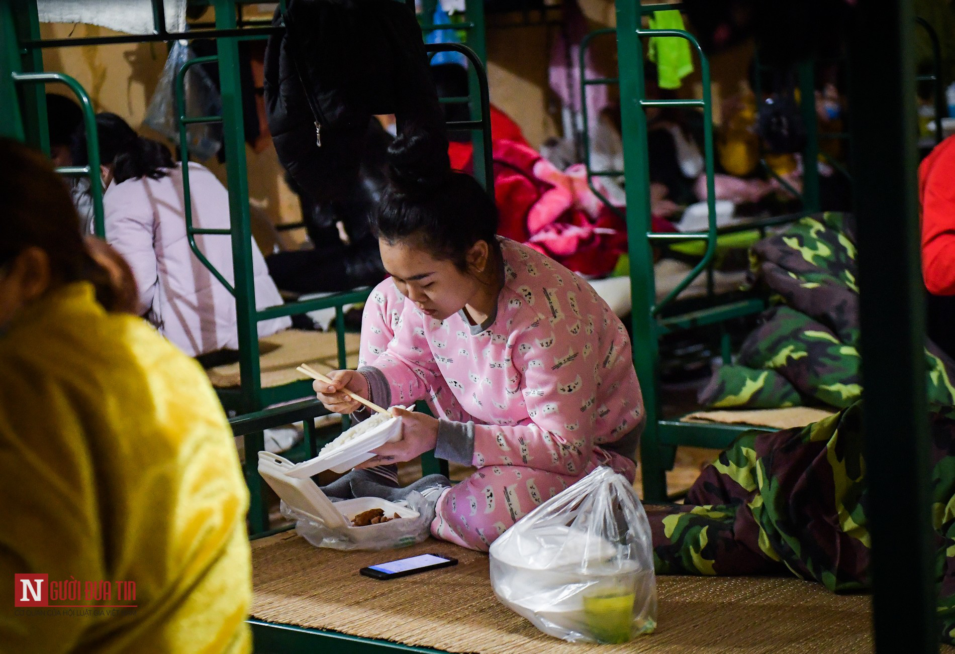 Lạng Sơn: Nhộn nhịp căn bếp ấm tình quân dân tại trại cách ly - Ảnh 17.