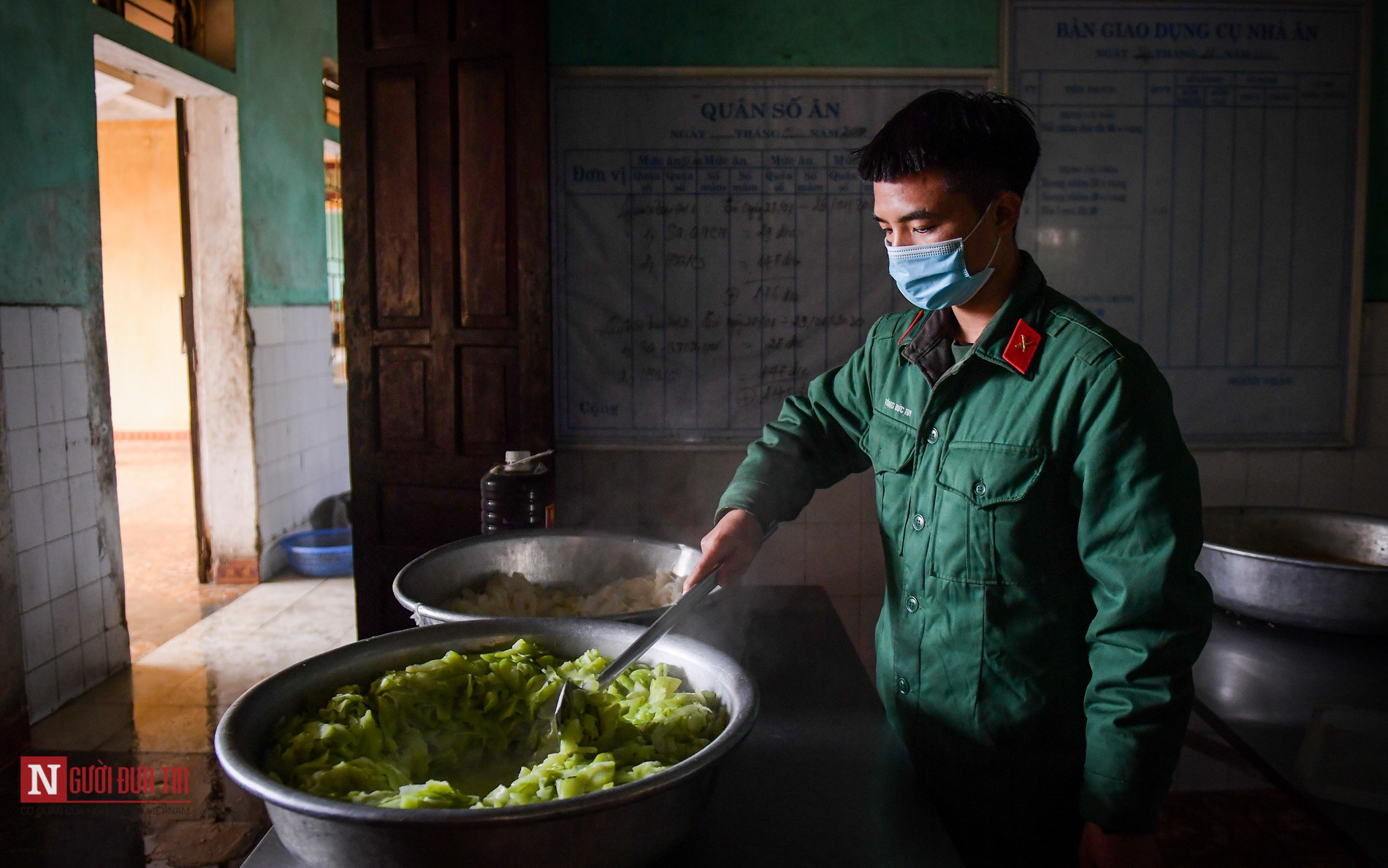 Lạng Sơn: Nhộn nhịp căn bếp ấm tình quân dân tại trại cách ly - Ảnh 5.