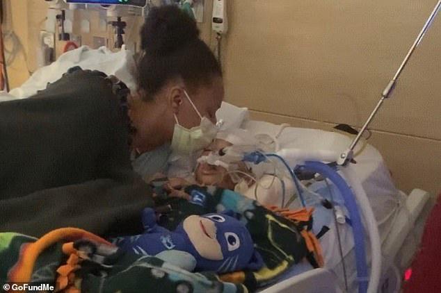 Không theo kê đơn của bác sĩ, người mẹ lên mạng nghe ý kiến của hội anti-vaccine khiến con trai 4 tuổi qua đời vì bệnh cúm - Ảnh 2.