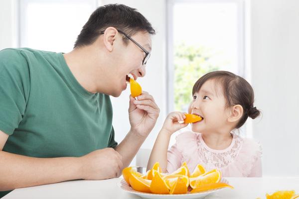 """Thời kỳ dịch bệnh, bố mẹ cần bổ sung chế độ ăn thế nào để xây dựng """"lá chắn Corona"""" cho con? - Ảnh 3."""