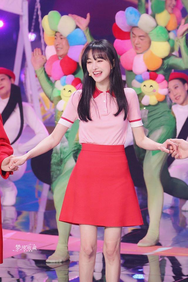 Lộ clip Trịnh Sảng nhảy múa cực yêu ở hậu trường, xinh đẹp rực rỡ như chưa hề có ồn ào chia tay thiếu gia, mất 67 tỷ - Ảnh 9.