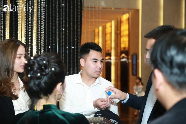"""Choáng váng với quy định ngặt nghèo của đám cưới Duy Mạnh nhưng fan hâm mộ lại """"mắt tròn mắt dẹt"""" vì dàn khách mời không ngờ tới - Ảnh 2."""
