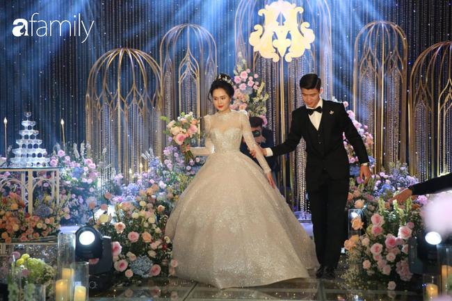 Tiếp tục màn khen nhan sắc cô dâu: Quỳnh Anh xinh muốn lịm tim, khoe layout make up chưa từng có tiền lệ tại Vbiz - Ảnh 1.
