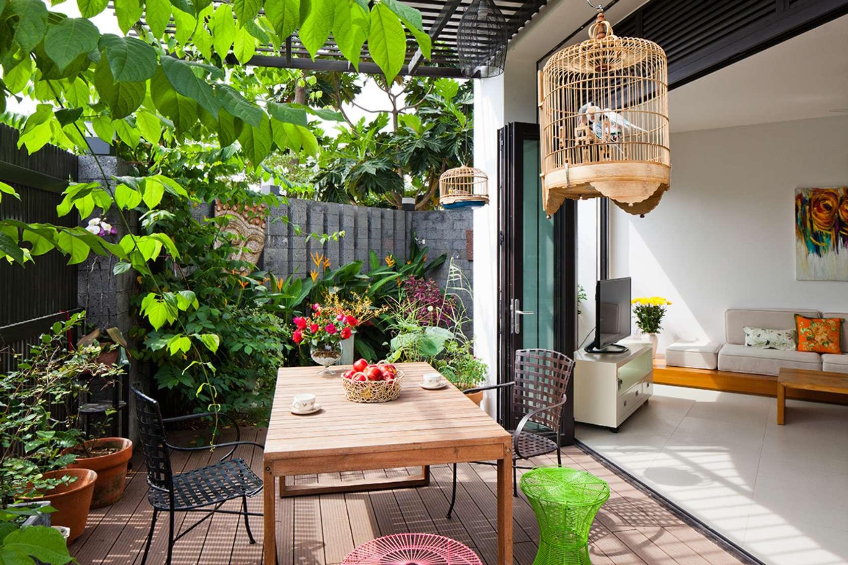ngoi nha ngoai o sai thanh khien bao tay khong tiec loi khen ngoi 111540844c - D2 Town House Ngôi nhà có sân vườn cực đẹp ở Sài Gòn