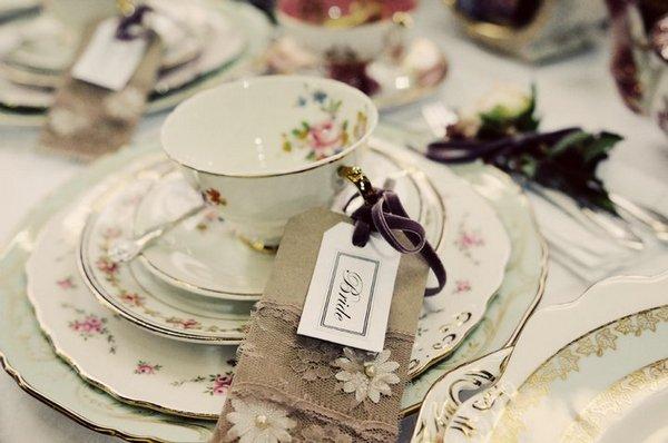 Trang trí bàn ăn theo phong cách vintage