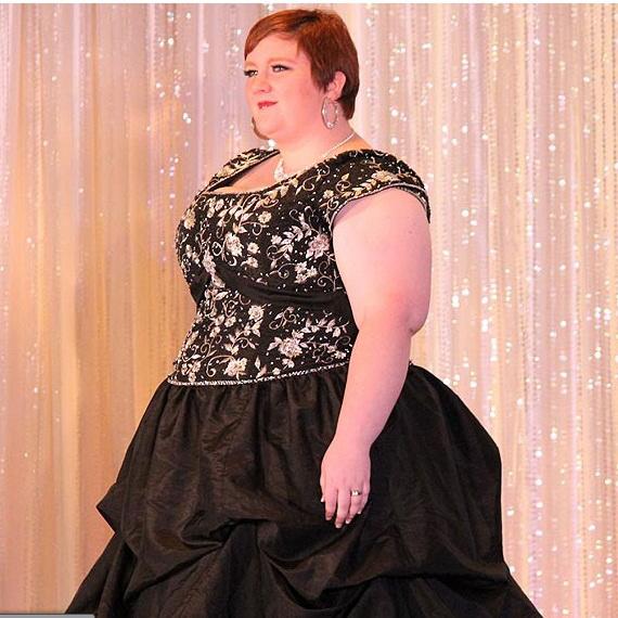 Quý bà nặng 140kg lên ngôi hoa hậu tại Mỹ