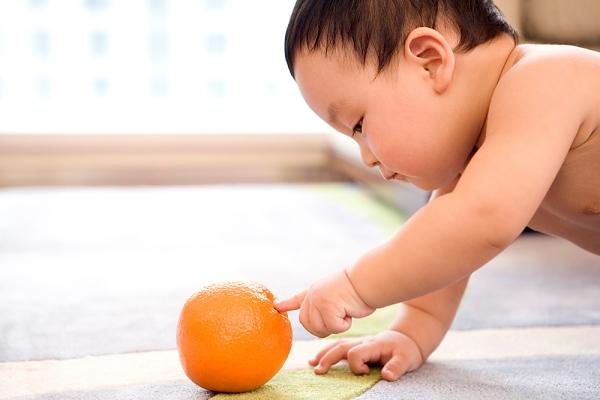 Những ngộ nhận về việc cho con ăn hoa quả