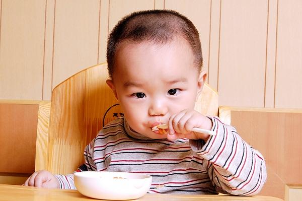 Bé ăn nhiều mà vẫn suy dinh dưỡng
