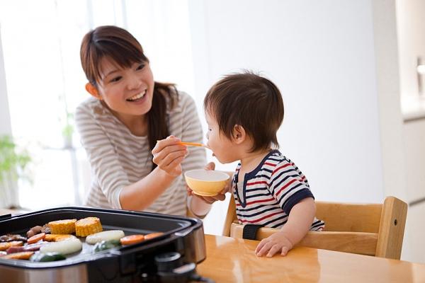 """4 sai lầm """"kinh điển"""" về dinh dưỡng cho con"""