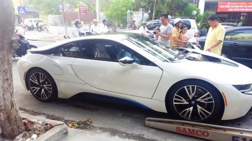 Lộ danh tính người chồng mua siêu xe 7 tỷ BMW i8 tặng sinh nhật vợ - Ảnh 3.